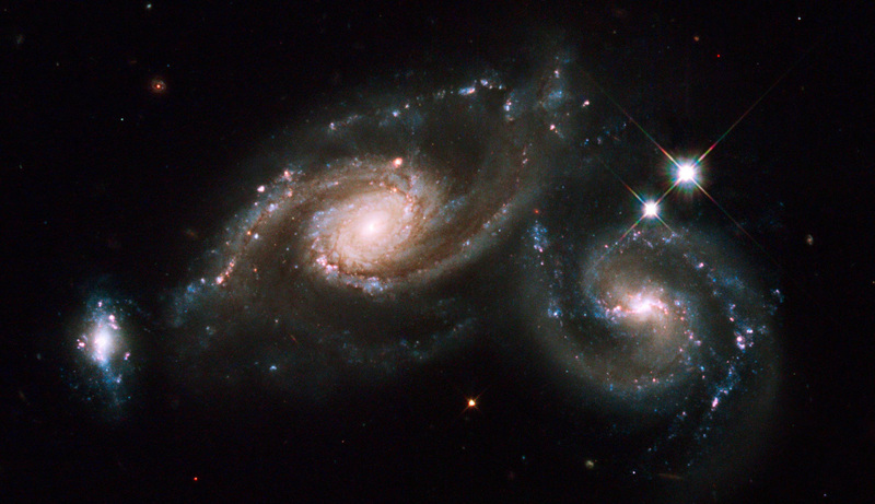 Arp 274 Triple Galaxy Group | Hubble Space Telescope