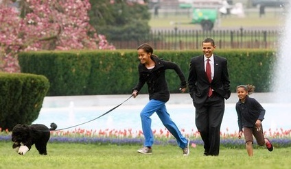 Obama, Malia, Sasha and Bo
